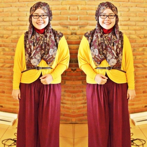 Yellow vs Maroon (by Indah Riyanti Putri)