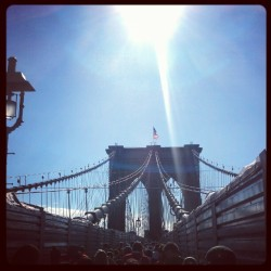 chris-isnt-famous:  #JDRF Walk o'er the #BrooklynBridge  (Taken with Instagram at Brooklyn Bridge, Brooklyn)
