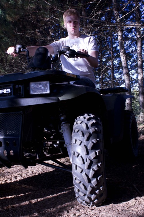 Photo XXX: 4 Wheeler
