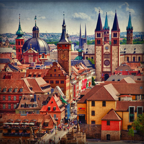 travelingcolors:  Würzburg Old Town | Germany (by PCsAHoot)