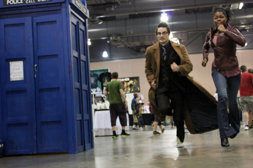 cosplayingwhileblack:  X Character: The Doctor & Martha Jones Series: Doctor Who   I love that there was a Tardis for them to run too