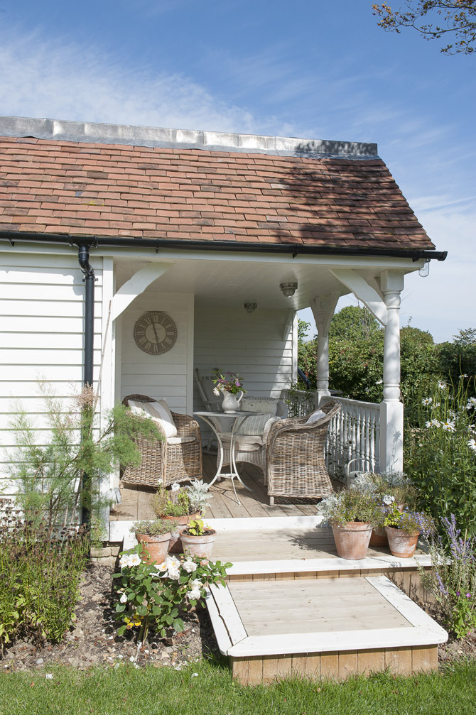 (via Wealden Times | House | Summer House)
