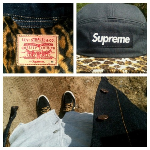 09.30.12 #supreme #supremeny #supny #ny #nike #nikesb #nsb #nsborg #ayd #levis #denim #uniqlo #buttonup #cap #daily #wear (Taken with Instagram)