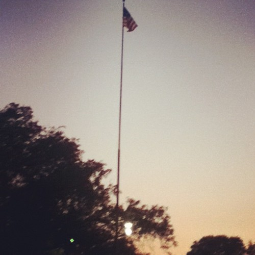 The wavin flag <3 #usa #usaflag #love #proudamerican #americathebeautiful #happy #afternoon #sunday #instamood  (Taken with Instagram at My Imaginary Mansion)
