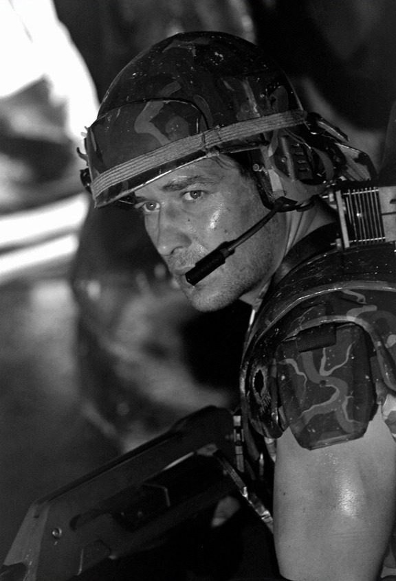 "James Remar as Corporal Dwayne Hicks. He was replaced with Micheal Biehn shortly after filming began due to ""creative differences"" with director James Cameron."