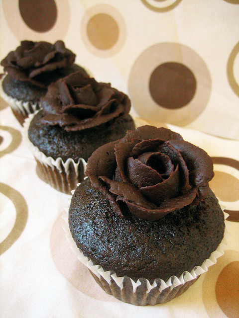awkwardcupcake:  Vegan Chocolate Covered Rose Cupcakes by Sweet Elites Vegan Cupcakes on Flickr.