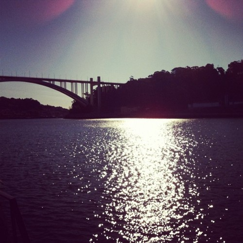 This morning in Porto.. Good day! ) (Tirada com o Instagram em Café del Rio)