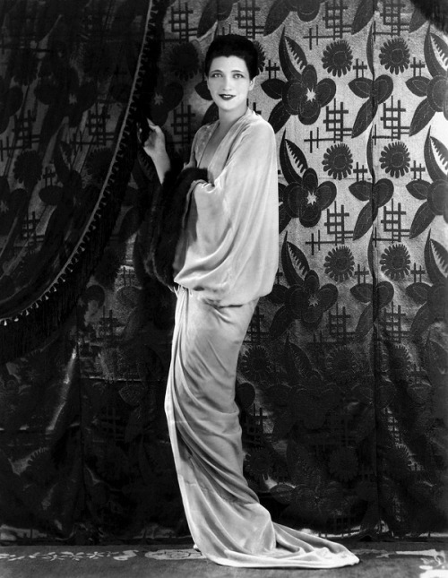 kayfrancisanadorablespirit:  Kay Francis 1930 publicity photo for the movie Behind the Make-Up.