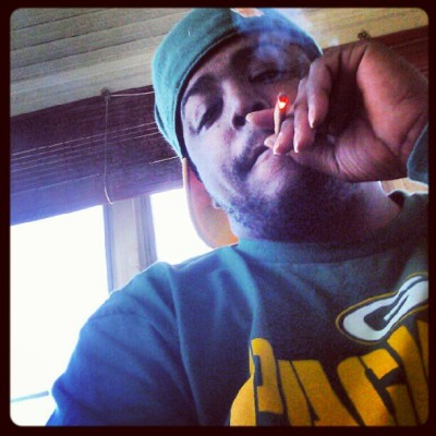 Blowin STRONG watchin da game… #yeamaneee #kvthegift #ilts #Life #love #loudloud  (Taken with Instagram)