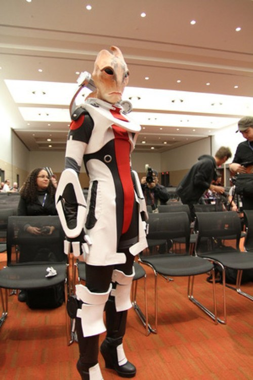 Cosplay of the day: Mordin Solus from Mass Effect 2 Via