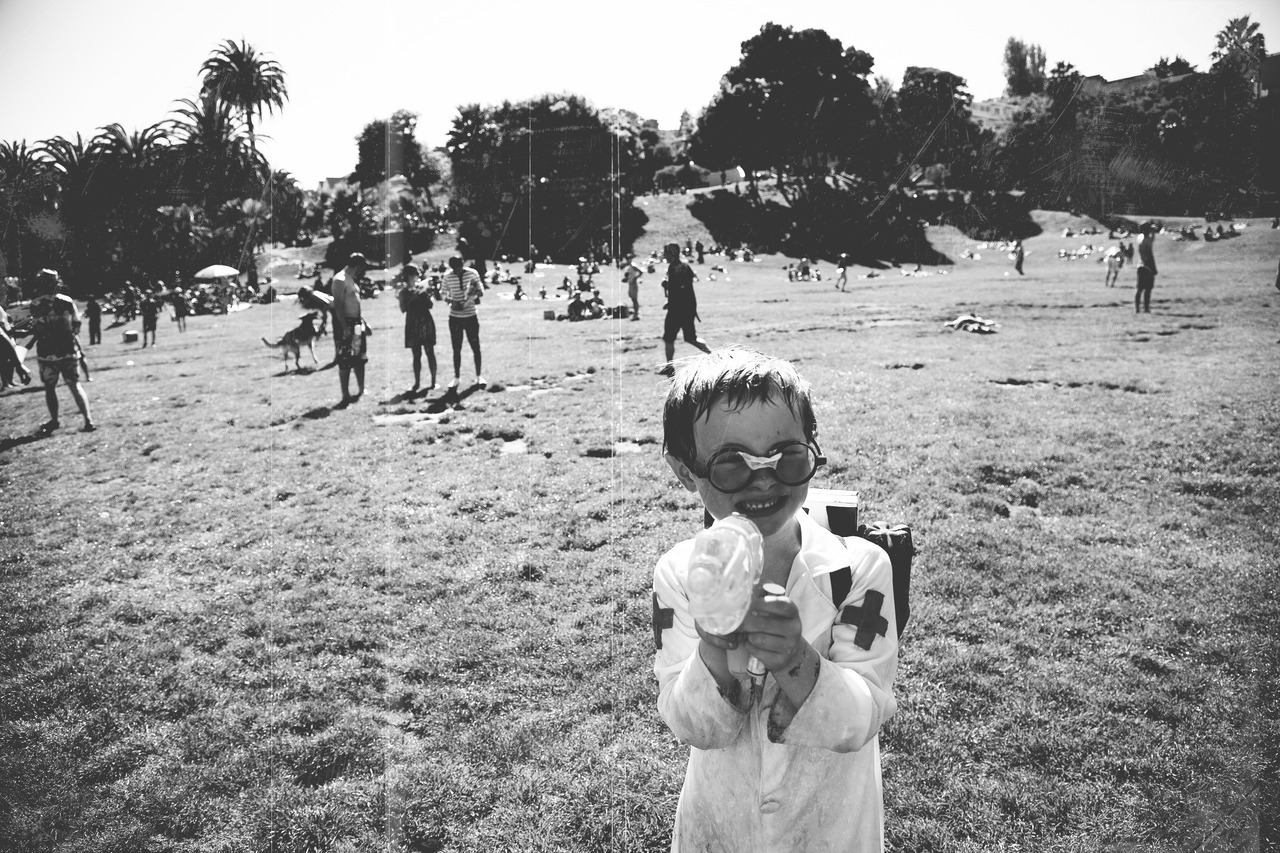 Water gun fight @ Dolores Park | Evan Thompson Photography