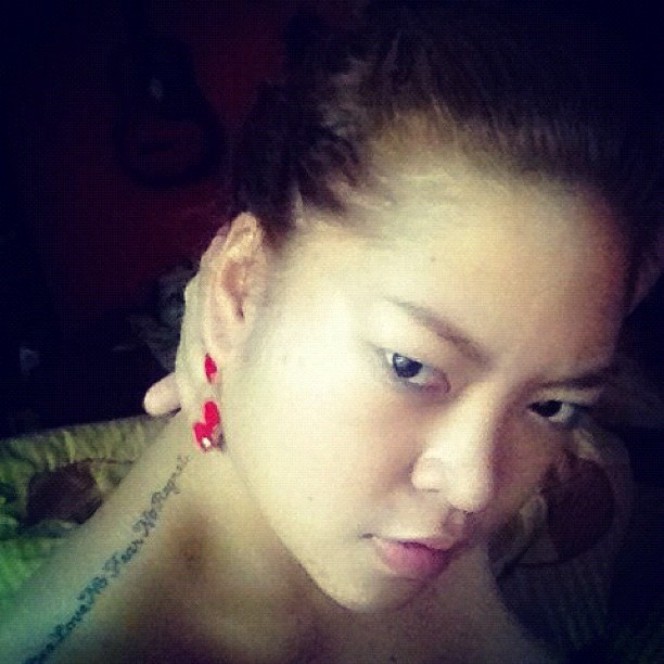 G'morning October :) Let's keep moving forward ;) #vanity #asian #pinay #nikkaantonio #nomakeup #morning #poser  (Taken with Instagram)