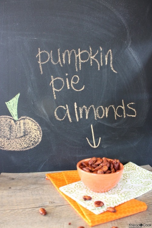 dreaming-of-autumn:  PUMPKIN PIE ALMONDS 2 cups raw almonds, 3 tsp cinnamon, 3 tsp pumpkin pie spice, 4 tbs honey, 1 tsp vanilla, sea salt. Bake at 325 for 20 minutes