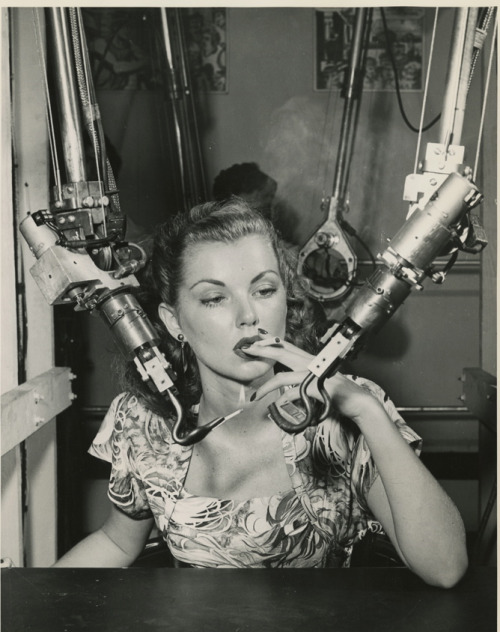 Model Demonstrating General Electric's Mechanical Hands c.1948 via maudelynn