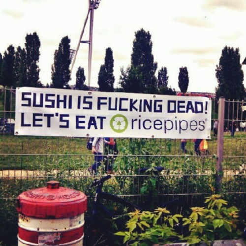 Sushi is dead!!!     #Berlin #Germany #Deutschland #Flohmarkt #Alf #martian #alien #dead #childhoodisgone #mauerpark #market #whiteelephant #trashandtreasure #eighties #mauerparkFlohmarkt #Berlinlife #berlinstagram #lonelyplanet #travel #sushi #ricepipes #food #foodsafari  (Taken with Instagram)