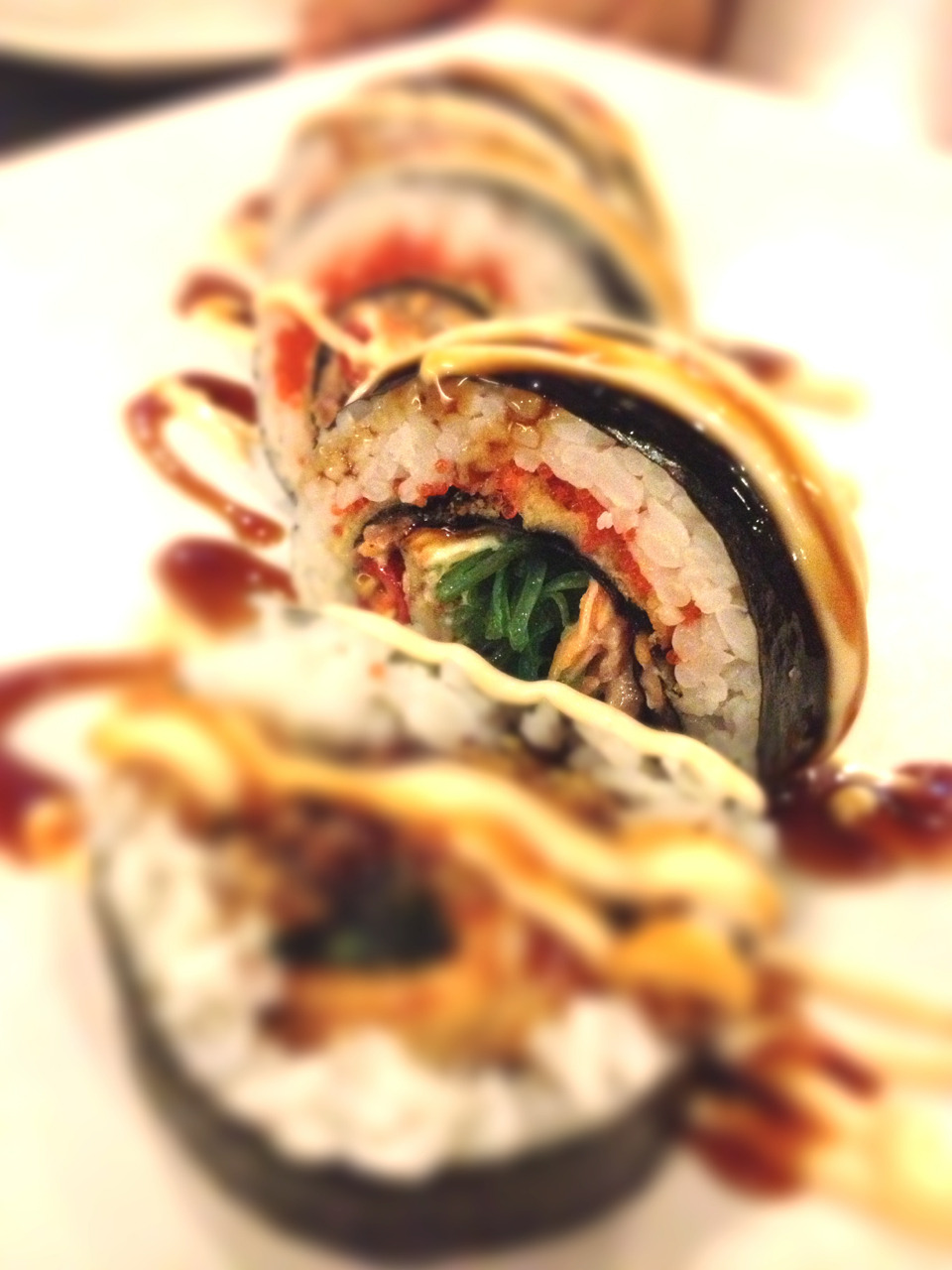 Joobu Special Roll from Sushi Joobu. I've been growing up in Kelapa Gading. Gading got tons of food from street food to restaurant. So much that even if you eat one different food each day, you won't finish trying everything for a year. This Sushi Joobu place has been there for years. I always pass it by when I was on my way to school but didn't even have a thought to stop by and try its food. So yeah me and my friends were craving for sushi and decided to try this place. So here we go…. This Joobu Special roll was huge, bigger than the usual california roll. Rice was stuffed with seaweed, salmon, tobiko, and some other thing that I can't recall. But it was great! All the flavor in one bite.. Nyumm..