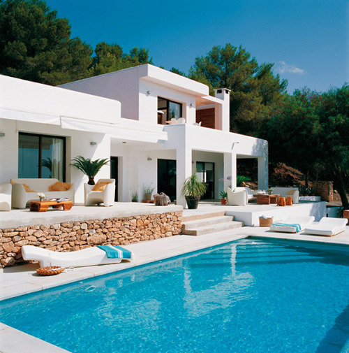 naonanario:  (Luxurious Mediterranean Lifestyle and an Exclusive Residence in Ibizaから)