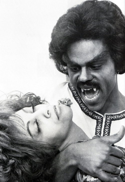rcmerchant:  SCREAM BLACULA ,SCREAM (1974)