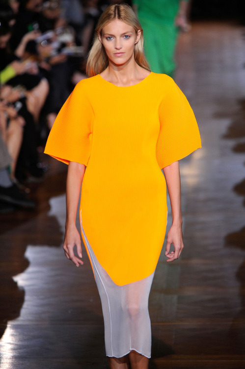 wgsn:  A brilliant shot of yellow in a sporty oversized silhouette from Stella McCartney's SS13 show at #pfw today. Love this whole collection! SUBSCRIBERS CLICK HERE FOR THE FULL REPORT