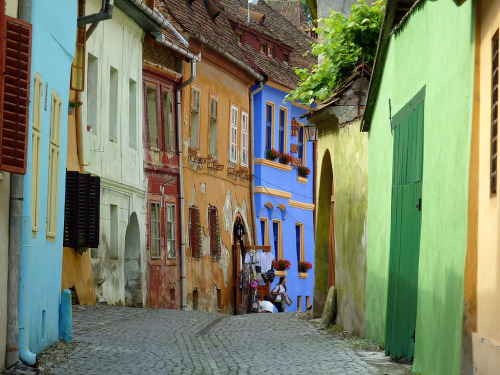 ak47:  A street in Sighisoara, Romania (via frans.sellies)