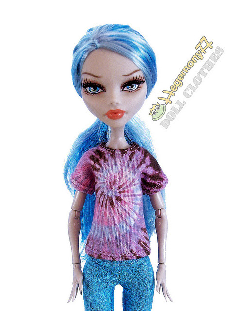 Monster High doll in tie dye t shirt on Flickr.Doll clothes and photo made by Hegemony77