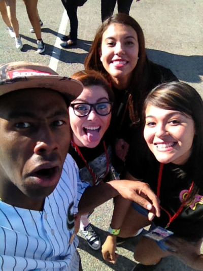 pharaohemily:  tyler took a picture with us .^_^.