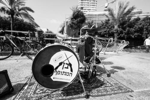 I'm still shooting music. Maybe a little differently now.  Tel Aviv.October 2012.