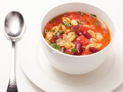 prettybalanced:  Pasta and Kidney Bean Soup