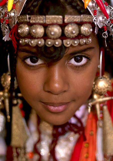 folkthings:  Tuareg girl wearing traditional jewellery. Photo taken in, Ghadames, Libya by Eric Lafforgue
