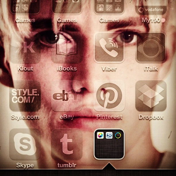Conor on my phone (Scattata con Instagram)