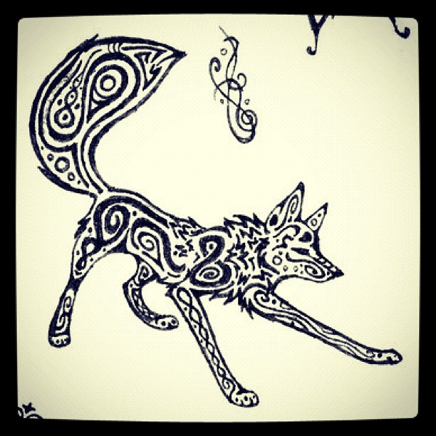 lifewithmoonwolfandmylover:  I want this one toooooooo #wolf #tatoo #amazing (Pris avec Instagram)