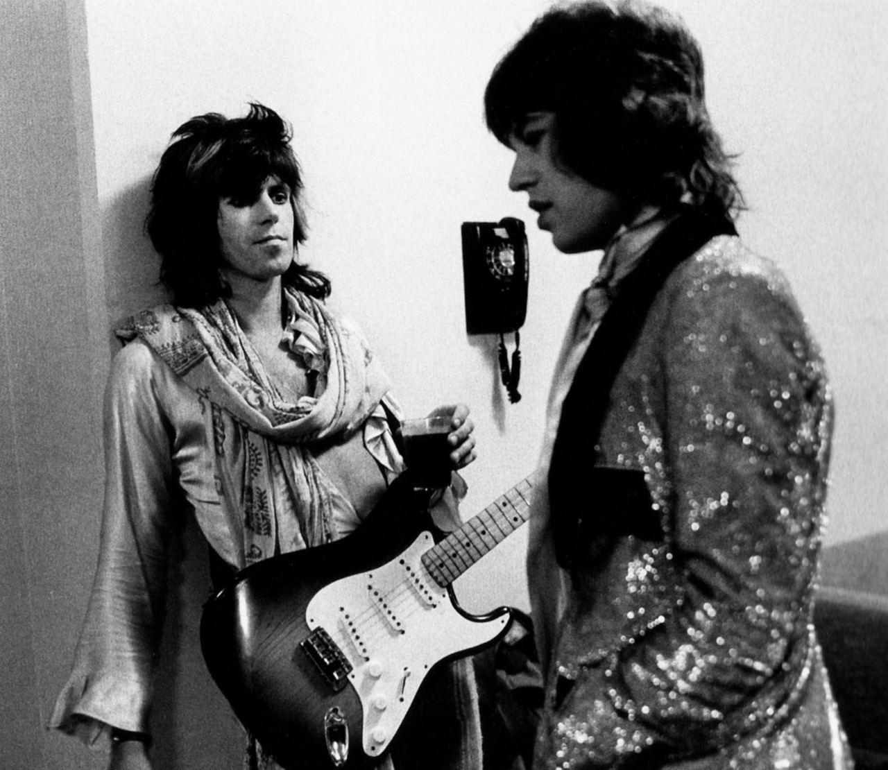 KEITH RICHARDS et MICK JAGGER thebeatofaheartgrowncold:   omg keith