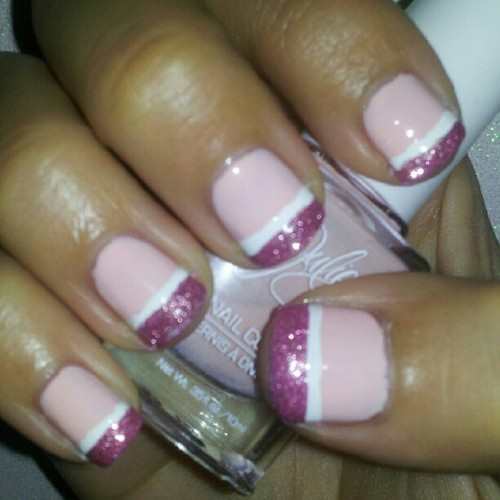 @subtleshimmer #polishuspink #breastcancerawareness #bca #nailpolish #nails #juliegpolish #julieg #birthdaysuit #zoyanailpolish #zoya #shelby #fingerpaints #hueleftamessage #pink #glitter #pinkribbon #michellemealey  (Taken with Instagram)