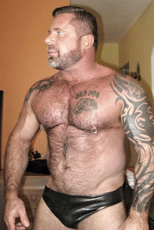 cigarsmakemejizz:  funandphotos:  daddy, oh daddy  Where can I get a pair of briefs like that? Pvt msg me.