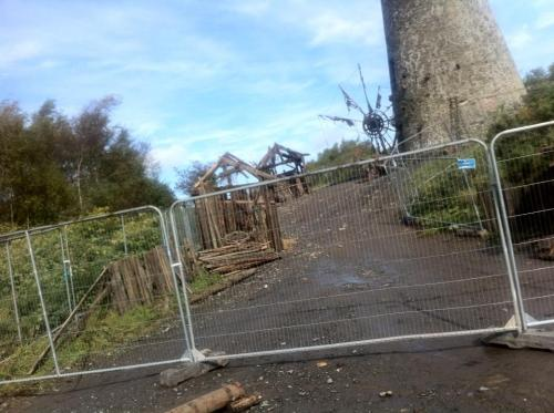 Game of Thrones set being constructed on our #mtb trail  Looks like a photo of the same set from this photo but from another angle. What is that pinwheel thing next to the tower supposed to be?