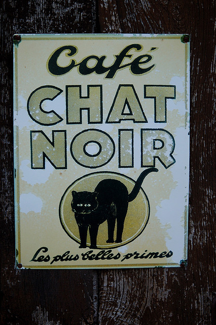 CAFÉ CHAT NOIR by Mary.Do on Flickr.