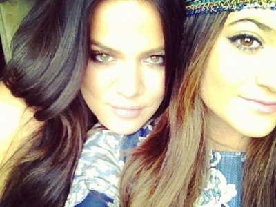Khloe Kardashian shares new photos from her time in Miami!