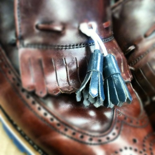 @leatherworksmn @nathanomalley @ckirsebom #handmade #tassels #coloredsoles #mastercobbler #madeinamerica  (Taken with Instagram at Greenwich Vintage Co.)