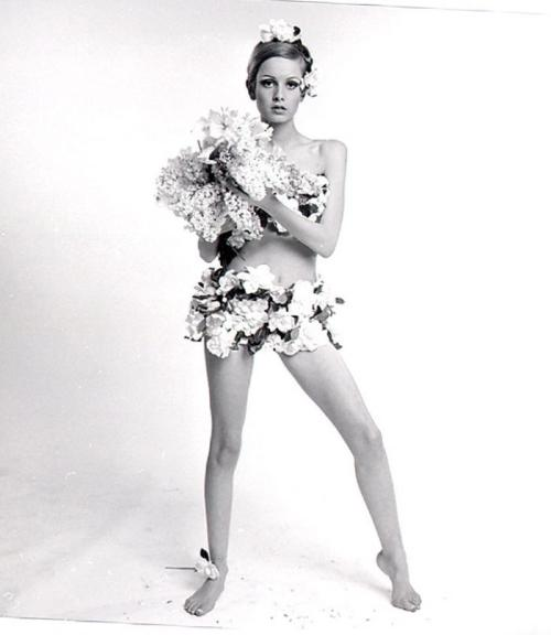 Twiggy photographed by Bert Stern.