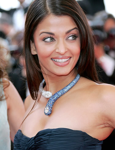 beauty-and-women:  Aishwarya Rai.