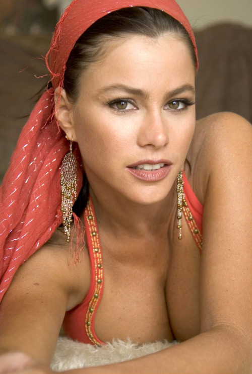 sofiaorsophia:  Sofia Vergara is good-looking