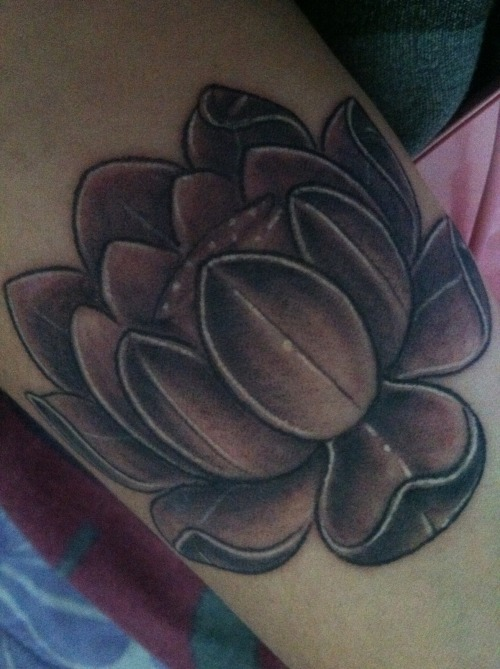 fuckyeahtattoos:  Lotus Flower on my wrist , Done by Mike at Banzai tattoo in Pearl City, Hi .