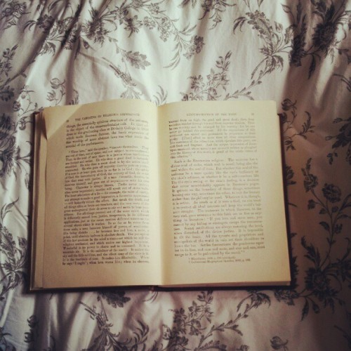 twohatstales:  Today. #book #reading #uni #religeon #psychology (Taken with Instagram)