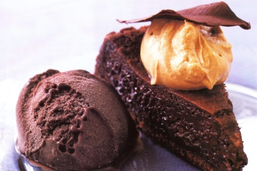 fooderific:  chocolate mousse cake