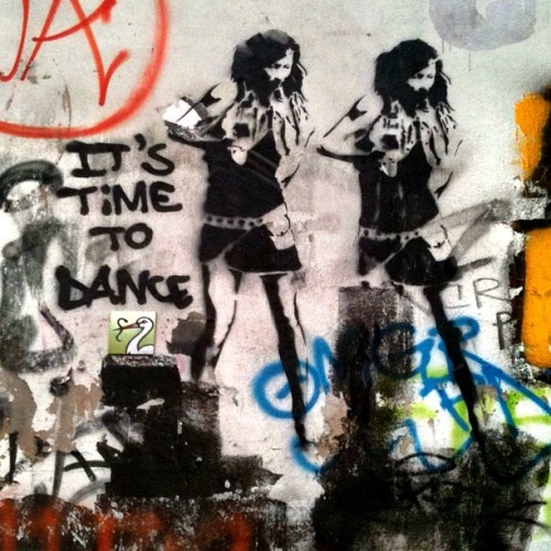 It's time to dance. Always.  (Taken with Instagram at Mariannenplatz)
