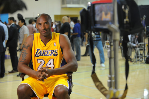 nba:  Kobe Bryant of the Los Angeles Lakers during Media Day at Toyota Sports Center on October 1, 2012 in El Segundo, California. (Photo by Andrew D. Bernstein/NBAE via Getty Images)
