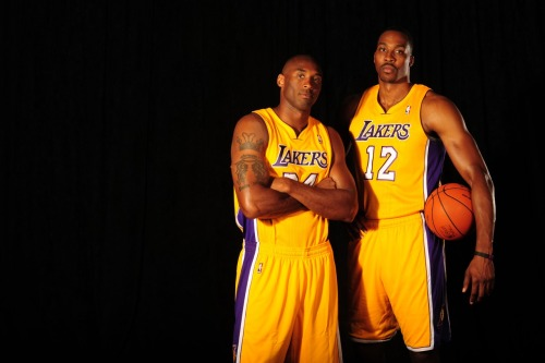 nba:  Kobe Bryant and Dwight Howard of the Los Angeles Lakers pose during Media Day at Toyota Sports Center on October 1, 2012 in El Segundo, California. (Photo by Noah Graham/NBAE via Getty Images)