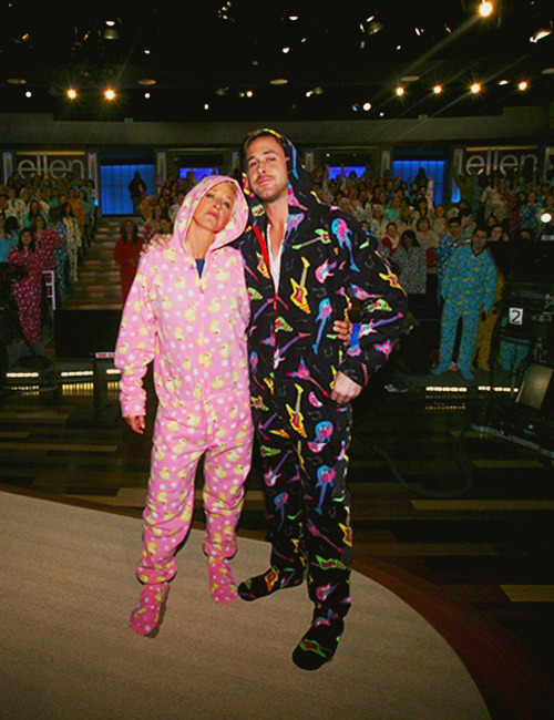 elysia-n:  sammys-life:   Ryan Gosling and Ellen Degeneres  i really tried to scroll past this  This is one my top fav episodes ♥