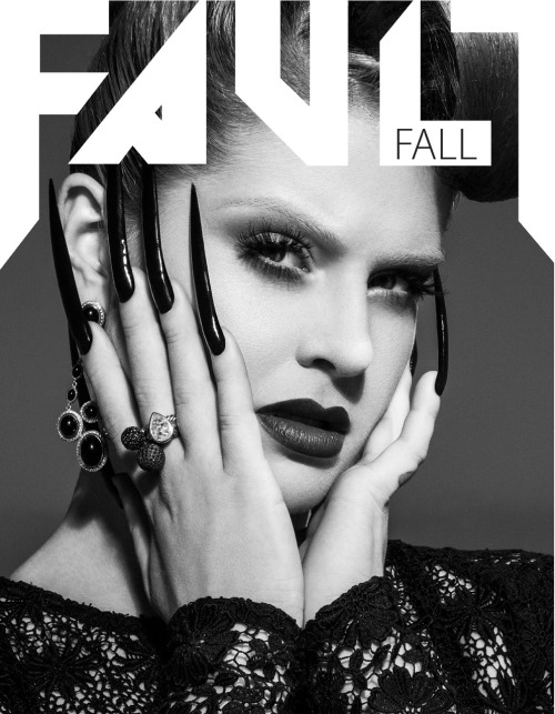 Kelly Osbourne in Long sculptural pointed nails by @mpnails - photographed by the GREAT Vijet Mohindra