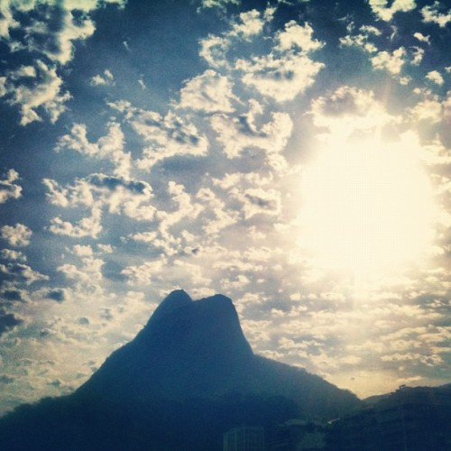 Perfect sky 🔝 (Publicado com Instagram, no Calçadão Leblon-Ipanema)